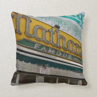 Alcohol de NYC (pillow16) Cojín Decorativo