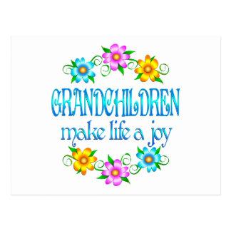 Alegría de los nietos postal