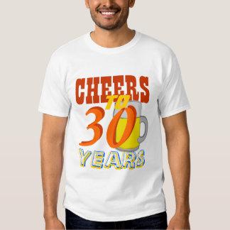 Alegrías a 30 años de la cerveza de fiesta de camiseta
