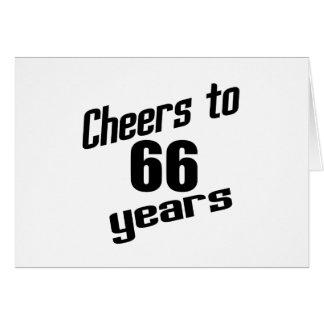 Alegrías a 66 años tarjeta de felicitación