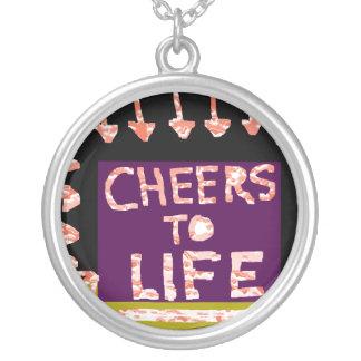 Alegrías a la vida - el artista hizo adornos a man grimpola