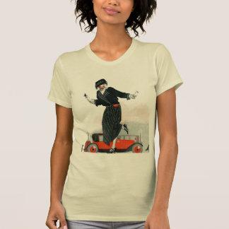 Aleta y automóvil descubierto camiseta