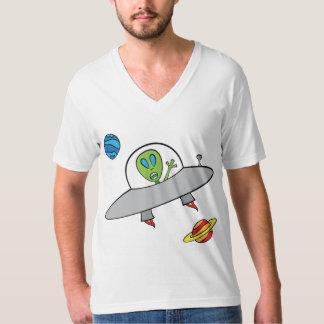 Alex el extranjero - la camiseta con cuello de