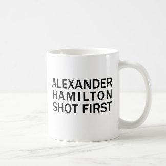 Alexander Hamilton tiró primero - la camiseta Taza De Café