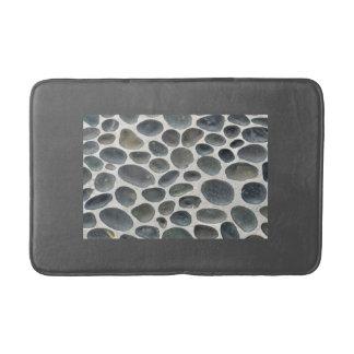 Alfombra de baño gris con la inserción modelada