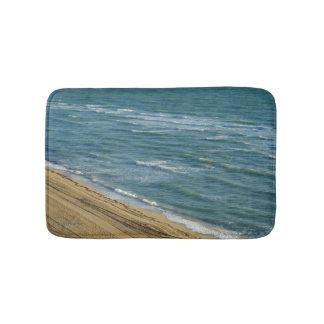 Alfombrilla De Baño Agua azul de la arena del océano de la playa