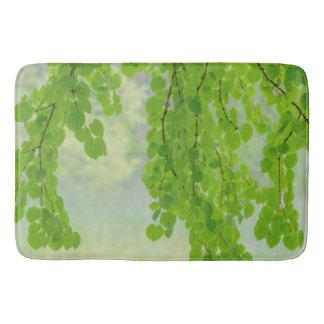 Alfombrilla De Baño Miembros de árbol de Katsura en la primavera el |