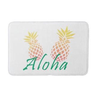 """Alfombrilla De Baño texto tropical de la """"hawaiana"""" del verano, piña"""