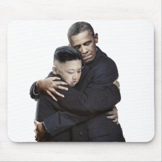 Alfombrilla De Ratón Abrazo de Obama y de la Jong-O.N.U de Kim