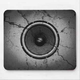 Alfombrilla De Ratón Altavoz de la música en una pared agrietada