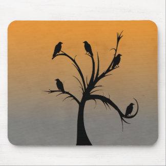 Alfombrilla De Ratón Árbol con los cuervos