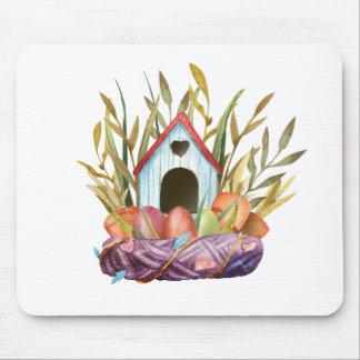 Alfombrilla De Ratón birdhouse en jerarquía