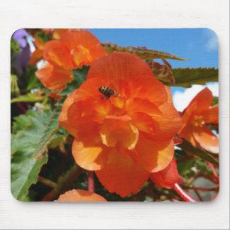 Alfombrilla De Ratón cielo, flores y abeja