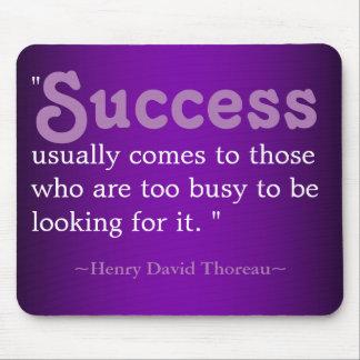 Alfombrilla De Ratón Citas inspiradas Thoreau: Éxito