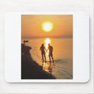 Alfombrilla De Ratón Dos amantes en la salida del sol