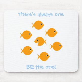 Alfombrilla De Ratón El decir inspirador del Goldfish lindo del dibujo