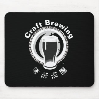 Alfombrilla De Ratón Elaboración de la cerveza del arte, negro y blanco
