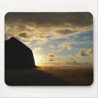 Alfombrilla De Ratón Escena idílica en la roca del Haystack en la playa