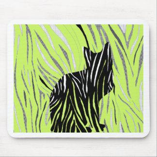 Alfombrilla De Ratón Gato negro en la hierba loca