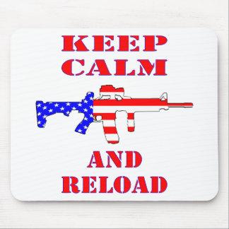 Alfombrilla De Ratón Guarde la calma y recargue el rifle de la bandera