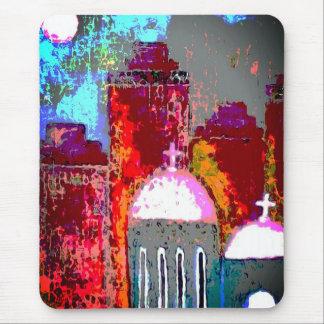 Alfombrilla De Ratón Iglesia rosada de la ciudad