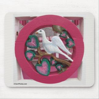 Alfombrilla De Ratón La cabaña rosada sobre el detalle del pórtico del