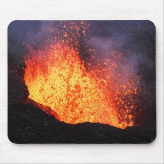 Alfombrilla De Ratón La fuente de la lava caliente entra en erupción