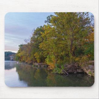 Alfombrilla De Ratón Lago Springfield morning del otoño