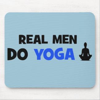 Alfombrilla De Ratón Los hombres reales hacen la yoga - regalos únicos