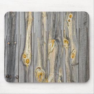 Alfombrilla De Ratón Modelos de madera con el carácter en un granero