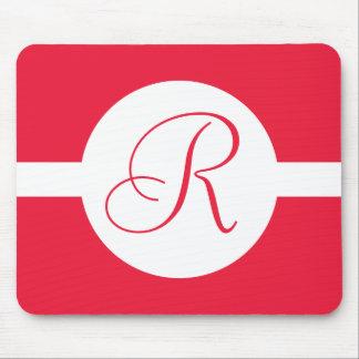 Alfombrilla De Ratón Monograma rojo intrépido del círculo