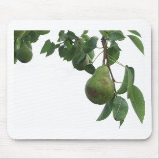 Alfombrilla De Ratón Peras verdes que cuelgan en un peral creciente