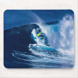 Alfombrilla De Ratón Persona que practica surf en la tabla hawaiana