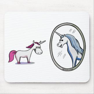 Alfombrilla De Ratón Unicornio antes de espejos - Unicorn en front of