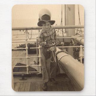 Alfombrilla De Ratón vaquero de 1935 jóvenes en a bordo