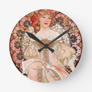 Alfonso Mucha: Ensueño (Rêverie) Reloj Redondo Mediano