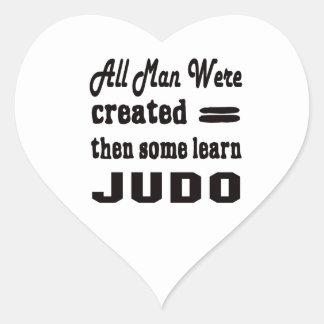 Algunos aprenden judo pegatina en forma de corazón