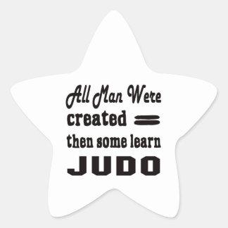 Algunos aprenden judo pegatina en forma de estrella