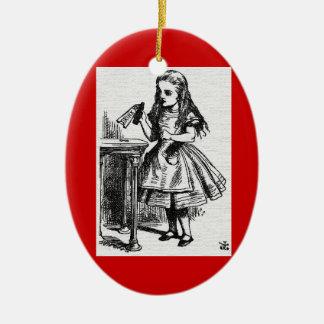 Alicia en el país de las maravillas me bebe adorno navideño ovalado de cerámica