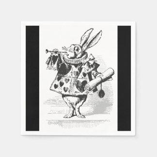 Alicia en las servilletas de papel del conejo