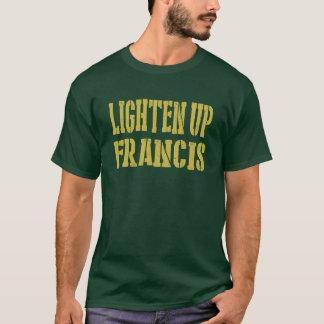 Aligere para arriba la camiseta de Francisco
