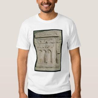Alivio que representa a un comerciante de vino camisas
