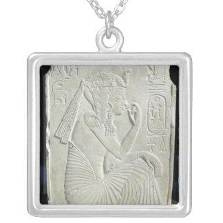 Alivio que representa Ramesses II como niño Collar Plateado