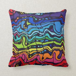 Almohada abstracta ondulada colorida