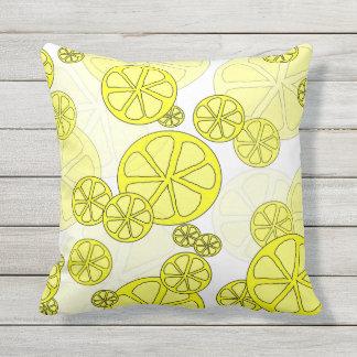 Almohada al aire libre del limón delicioso