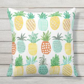 Almohada al aire libre tropical de la piña el |