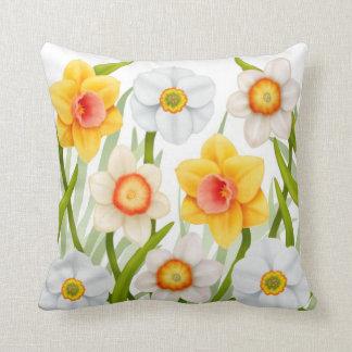 Almohada alegre de los narcisos de la primavera