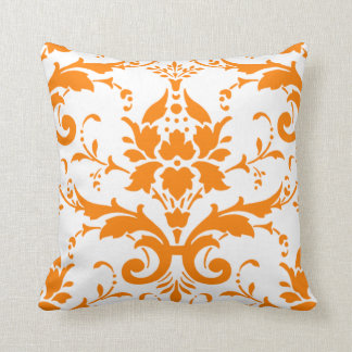 Almohada anaranjada del damasco
