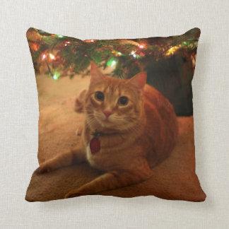 Almohada anaranjada del navidad del Tabby