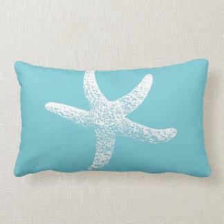 Almohada azul y blanca del acento de las estrellas
